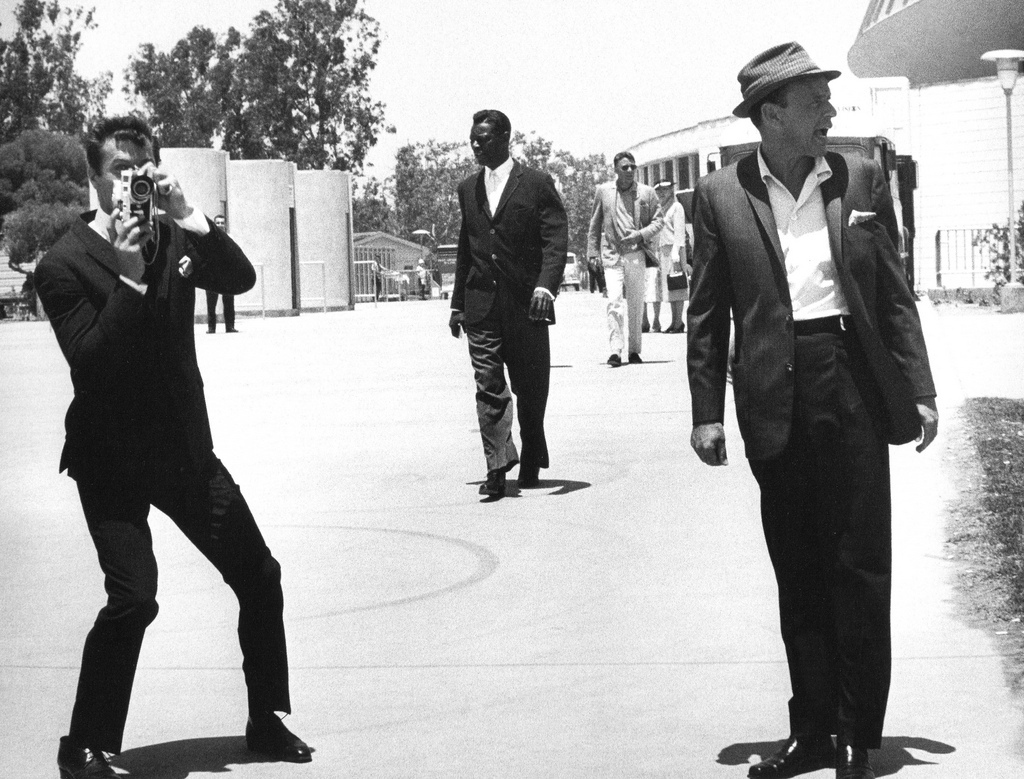 Tony-Curtis-Nat-King-Cole-Peter-Lawford-and-Frank-Sinatra