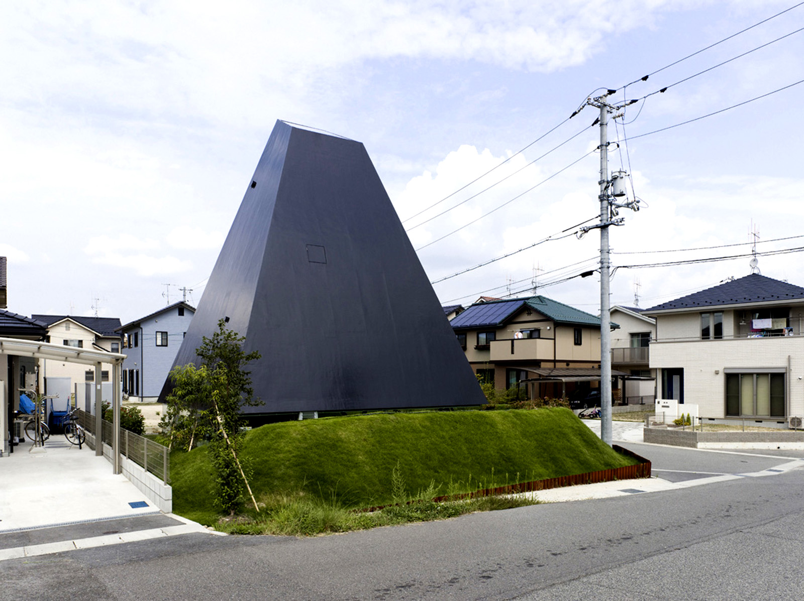House in Saijo Suppose Design Office
