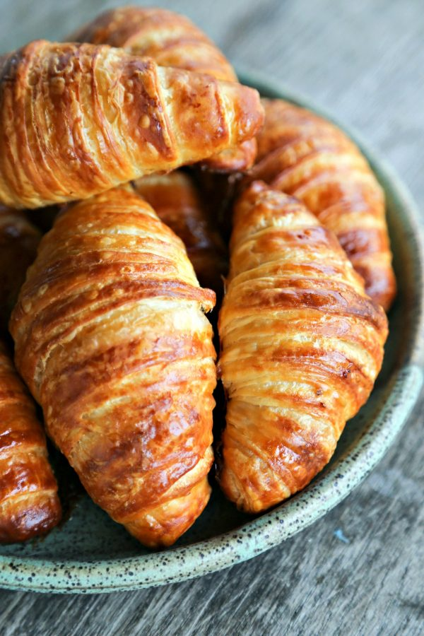 How do you make easy croissants?