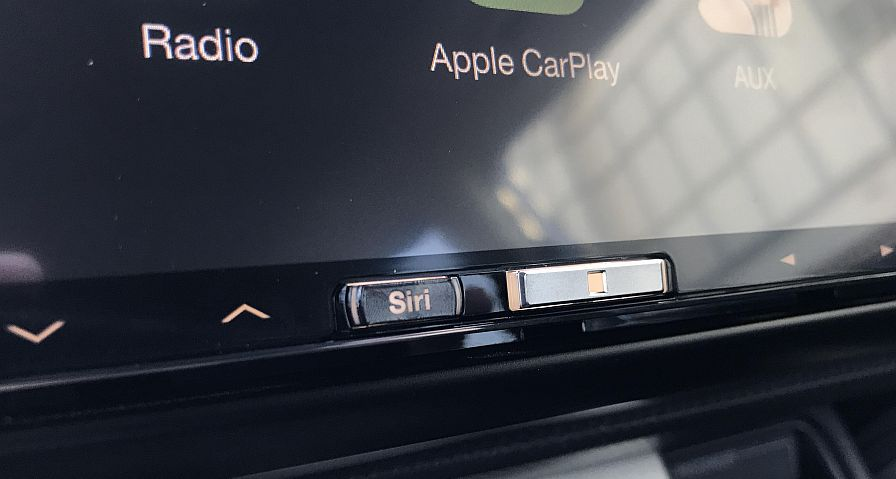 Alpine iLX-107 CarPlay