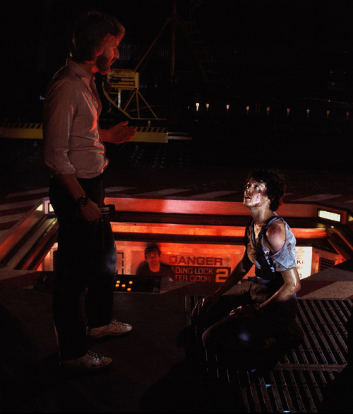 James Cameron with Sigourney Weaver behind the scenes of Aliens (1986)