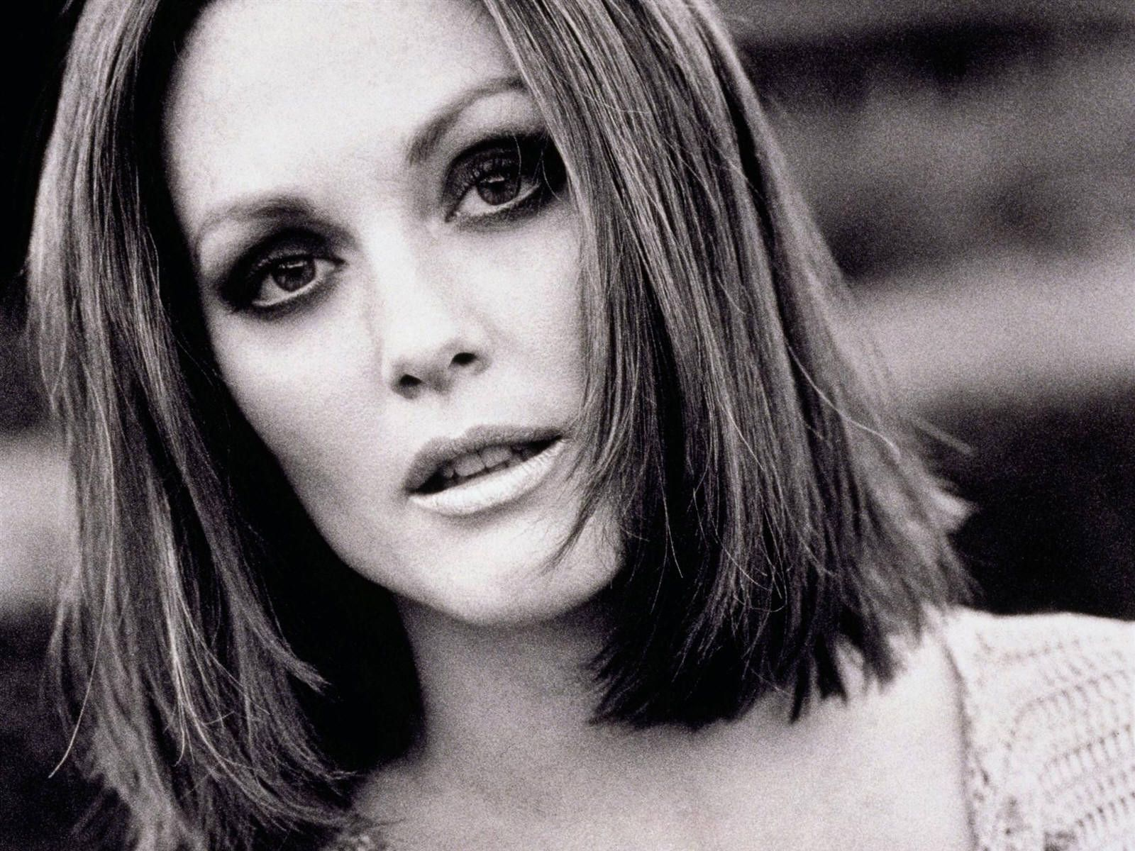 Julianne Moore young