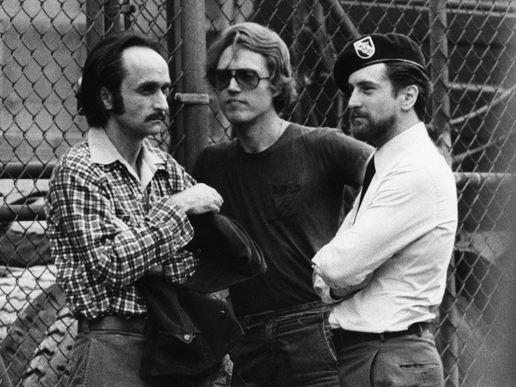 Robert De Niro, John Cazale, Christopher Walken behind the scenes of The Deer Hunter (1978)