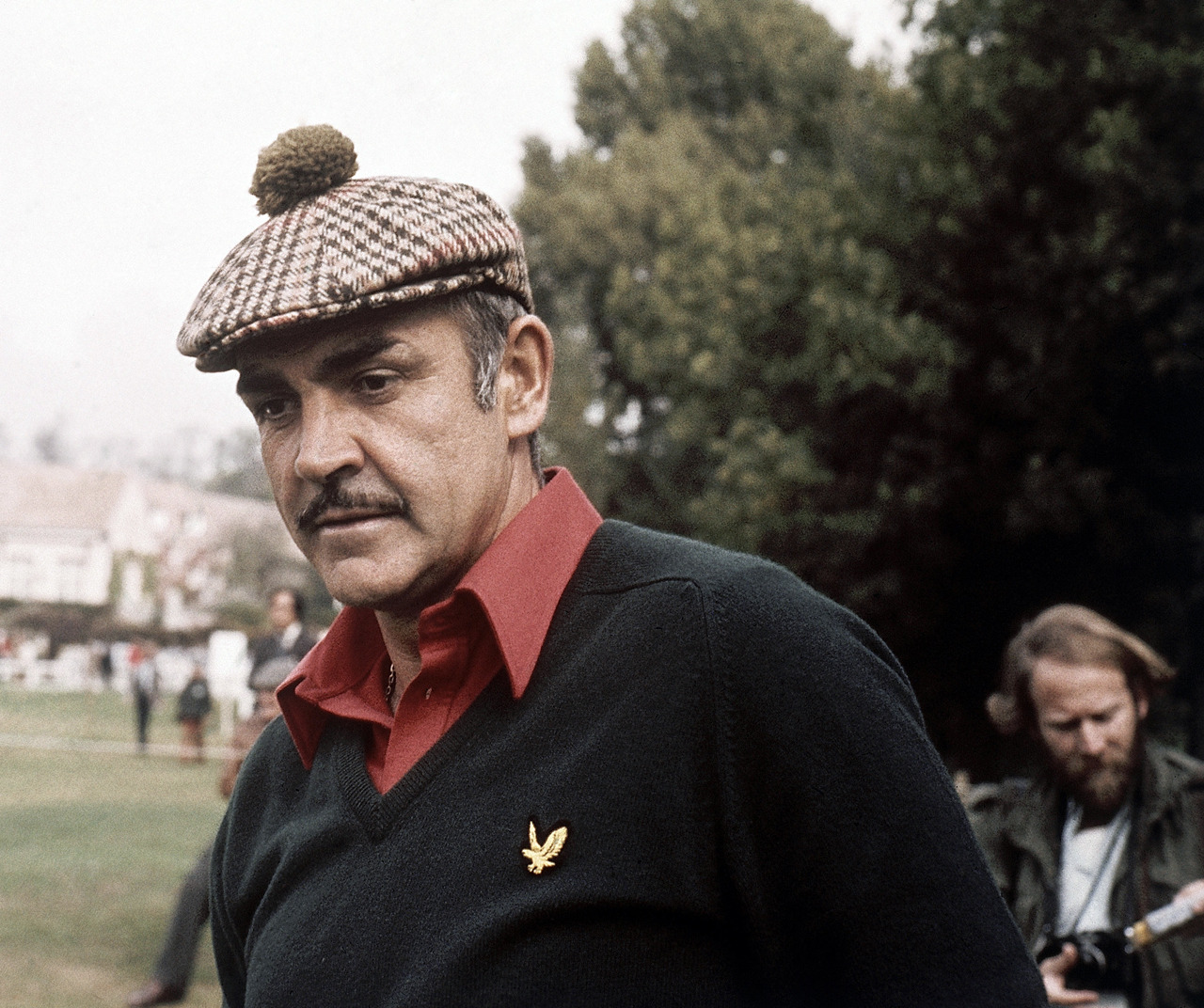 Sean Connery, 1976 playing golf