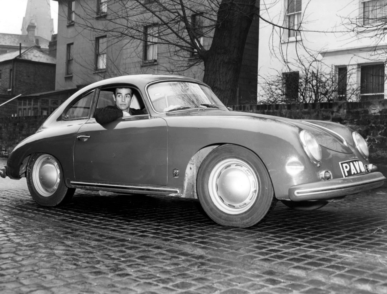 Sean Connery, Edinburgh driving his porsche 356