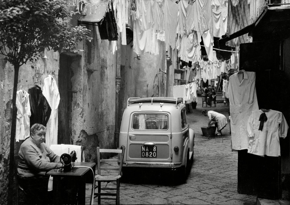 Italy, Naples in 1959: Street of seamstresses and laundresses
