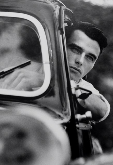 montgomery clift driving his car