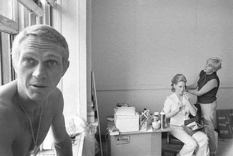 Steve McQueen & Faye Dunaway During The Thomas Crown Affair