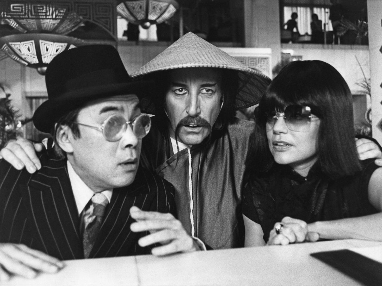Burt Kwouk, Peter Sellers and Dyan Cannon – Revenge of the Pink Panther